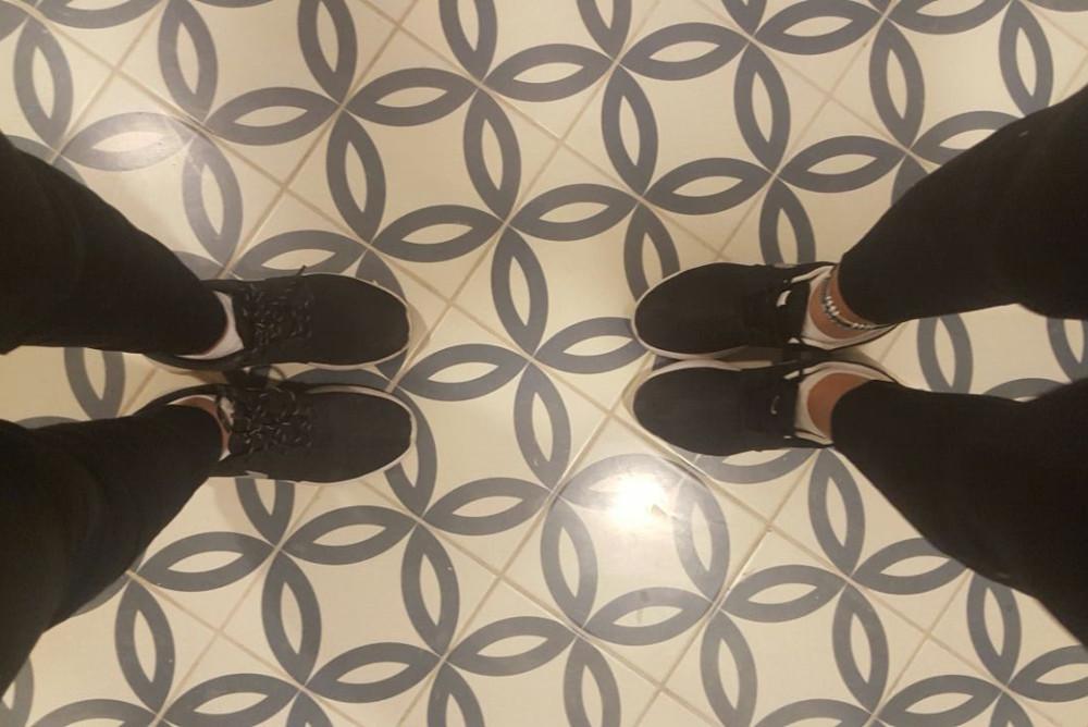 מלון ניאה רצפה