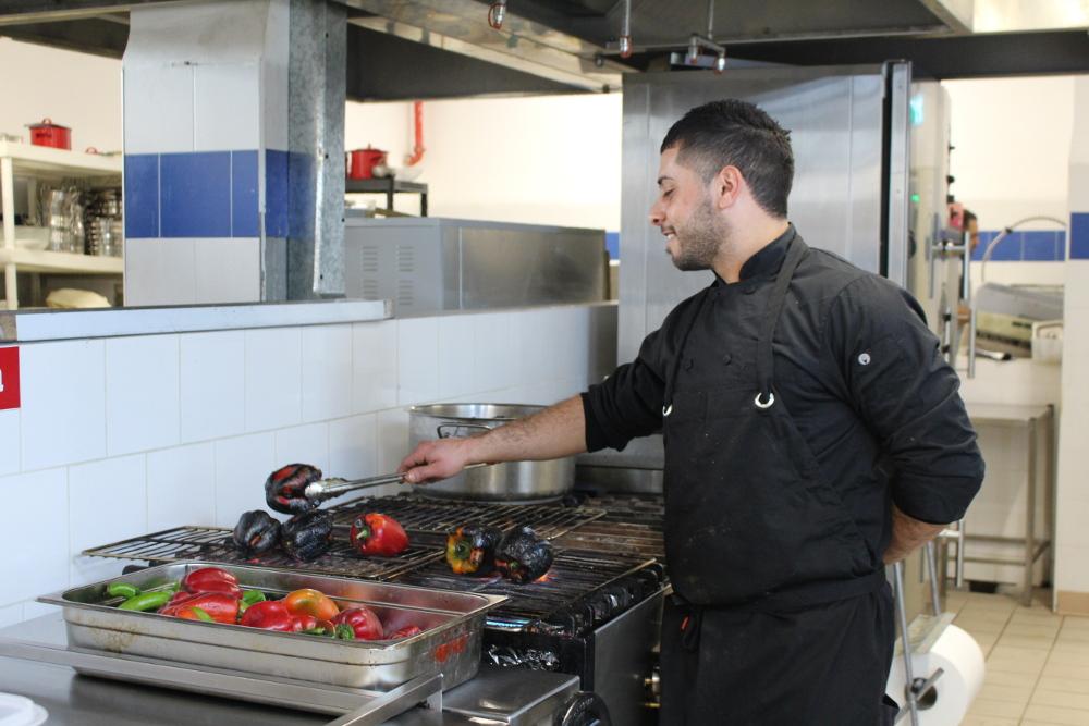 NEA HOTEL FOOD המסעדה של מלון ניאה פלפלים קלויים